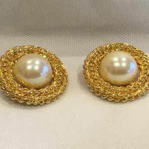Vintage clip on earrings with faux pearl